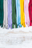 Kleurrijke ritssluitingen Stock Afbeeldingen