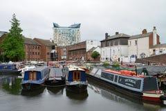 Kleurrijke smalle boot Stock Foto