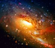 Kleurrijke spiraalvormige melkweg in kosmische ruimte Elementen van dit die beeld door NASA wordt geleverd stock afbeeldingen