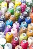 Kleurrijke Spoelen van Draad Stock Fotografie
