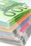 Kleurrijke stapel van euro bankbiljetten Royalty-vrije Stock Afbeeldingen