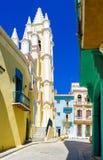 Kleurrijke straat in Oud Havana Stock Afbeelding