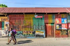 Kleurrijke straatscène, Livingston, Guatemala Royalty-vrije Stock Fotografie