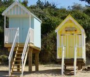 Kleurrijke strandhutten Stock Afbeeldingen