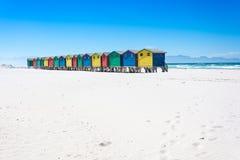 Kleurrijke strandhutten in Muizenberg, Cape Town Stock Foto