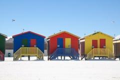 Kleurrijke strandhutten op het strand van Muizenberg royalty-vrije stock fotografie