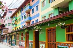 Kleurrijke straten van Guatape-stad in Colombia Royalty-vrije Stock Afbeeldingen