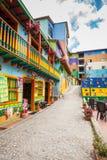 Kleurrijke straten van Guatape-stad in Colombia Royalty-vrije Stock Fotografie