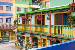 Kleurrijke straten van Guatape-stad in Colombia Royalty-vrije Stock Foto's