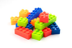Kleurrijke stuk speelgoed blokken op witte achtergrond Stock Afbeelding
