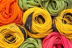 Kleurrijke tagliatelle Stock Foto