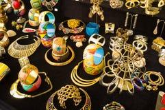 Kleurrijke trinkets Stock Foto's