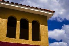 Kleurrijke Tropische Architectuur Royalty-vrije Stock Afbeeldingen