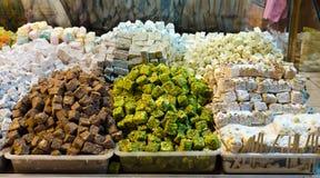 Kleurrijke Turkse verrukkingen in de Egyptische Bazaar van het Kruid Stock Fotografie