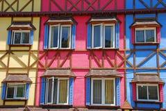 Kleurrijke uitstekende hotelmuur Stock Foto