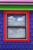 Kleurrijke vensterbuitenkant Stock Foto's