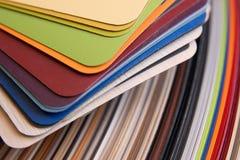 Kleurrijke vernisjesteekproeven voor triplex stock afbeelding