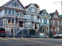 Kleurrijke Victoriaanse huizen in San Francisco Royalty-vrije Stock Afbeeldingen