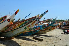 Kleurrijke visserijpirogues royalty-vrije stock foto