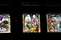 Kleurrijke Vitraux in Muziekzaal binnen Peles-Kasteel Castelul Pel Stock Afbeelding