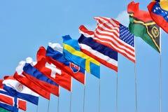 Kleurrijke vlaggen van verschillende landen Stock Afbeeldingen