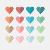 Kleurrijke vlakke hartenpictogrammen veroorzaakt witte achtergrond Stock Afbeeldingen