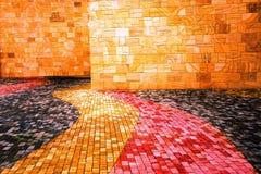 Kleurrijke vloer en klassieke muur Royalty-vrije Stock Foto's