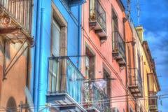 Kleurrijke voorgevels in Bosa, Italië Stock Foto's