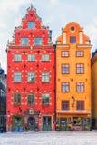 Kleurrijke voorgevels van huizen in de oude stad van Stockholm, Zweden royalty-vrije stock foto