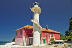 Kleurrijke vuurtoren Puntamika in Zadar Stock Foto