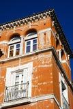 Kleurrijke warme architectuur in Sevilla Royalty-vrije Stock Fotografie