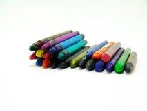 Kleurrijke waskleurpotloden stock foto's