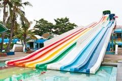 Kleurrijke waterschuif Stock Afbeeldingen