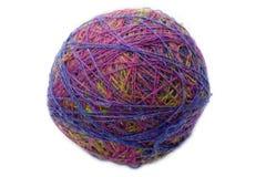Kleurrijke yarnball op wit Royalty-vrije Stock Afbeelding