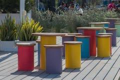 Kleurrijke zetels en lijsten in Doubai royalty-vrije stock foto's
