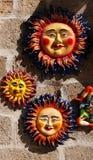 Kleurrijke zonnen van verglaasd terracotta Royalty-vrije Stock Fotografie