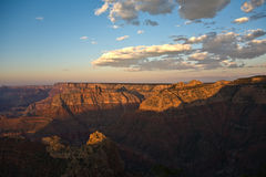 Kleurrijke Zonsondergang in Grand Canyon Stock Afbeeldingen