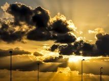 Kleurrijke Zonsondergang Oranje Straatlantaarns Royalty-vrije Stock Afbeeldingen