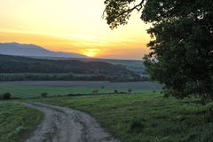 Kleurrijke zonsondergang over de sleep Royalty-vrije Stock Afbeeldingen