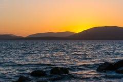 Kleurrijke zonsondergang in Sardinige stock afbeelding