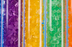 Kleurrijke zoute kristallen in reageerbuizen Royalty-vrije Stock Foto
