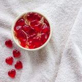 Kleverig suikergoed in een vaas op witte doek Royalty-vrije Stock Afbeeldingen