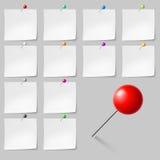 Kleverige nota's met punaisen Stock Afbeelding