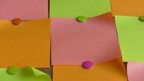 Kleverige nota's multi gekleurde achtergrond Stock Foto's