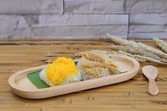 Kleverige rijst met gestoomde vla Stock Fotografie