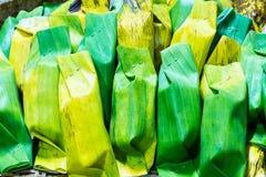 Kleverige rijst met taro Stock Foto's