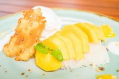 klibbig mangorice Royaltyfri Bild