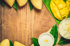 klibbig mangorice Arkivbild