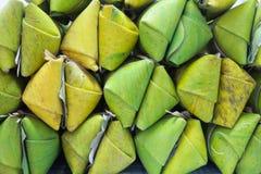 Klibbig Rice och bananer Royaltyfria Bilder