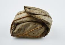 Klibbiga ris i lotusblommablad Royaltyfri Bild